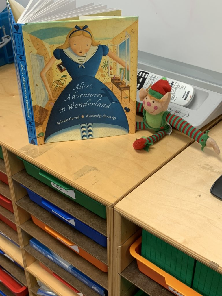 I found #RodolfoTheElf engaged in a really good book this morning! #gibcal