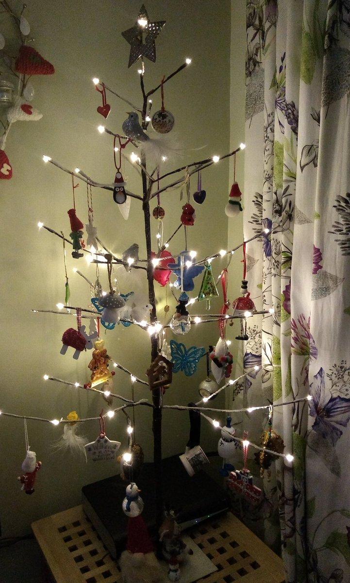 Christmas has arrived chez Warner #sticktree #decorationsfullofmemories