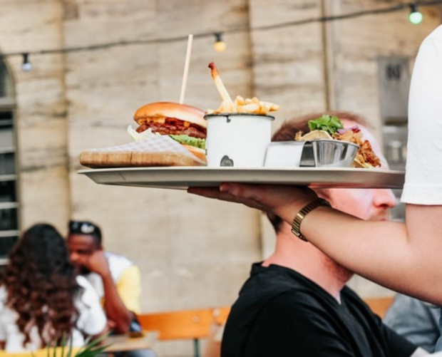 We conducted a survey to find that restaurant owners see a better ROI from Facebook than they do on Instagram, despite the 'foodstagramming' phenomenon.http://bit.ly/37a9hNV  #digitalmarketing #socialmedia #marketing #restaurant #marketingtips #promotion #facebook #instagram