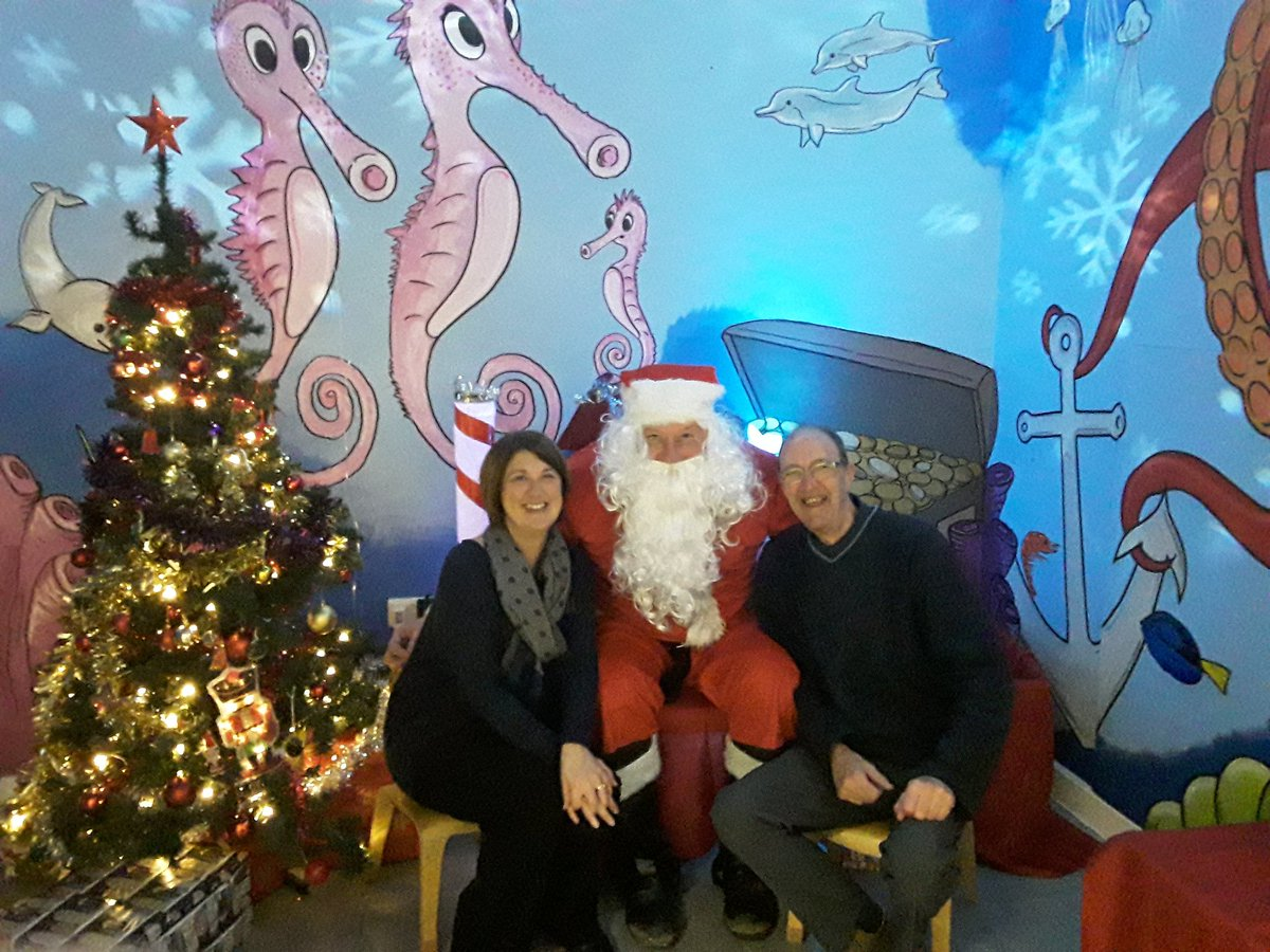 Pleased to report that @ChorltonPkLab councillors are not on Santas naughty list! Weve been very good this year 😊 @BMCA_volunteer @BMCALtd @BMCA_HWBZ