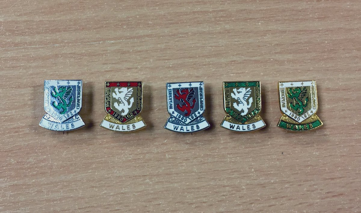 With a trip to #euro2020 sorted, these are all 5 variants of the Euro '92 campaign, having recently tracked down the green badge . . #gorauchwaraecydchwarae #cymru #wales #faw #welshfootball #togetherstronger #pin #badge #pinbadge #footballpin #walesaway #walesbadge #oldwelshpin
