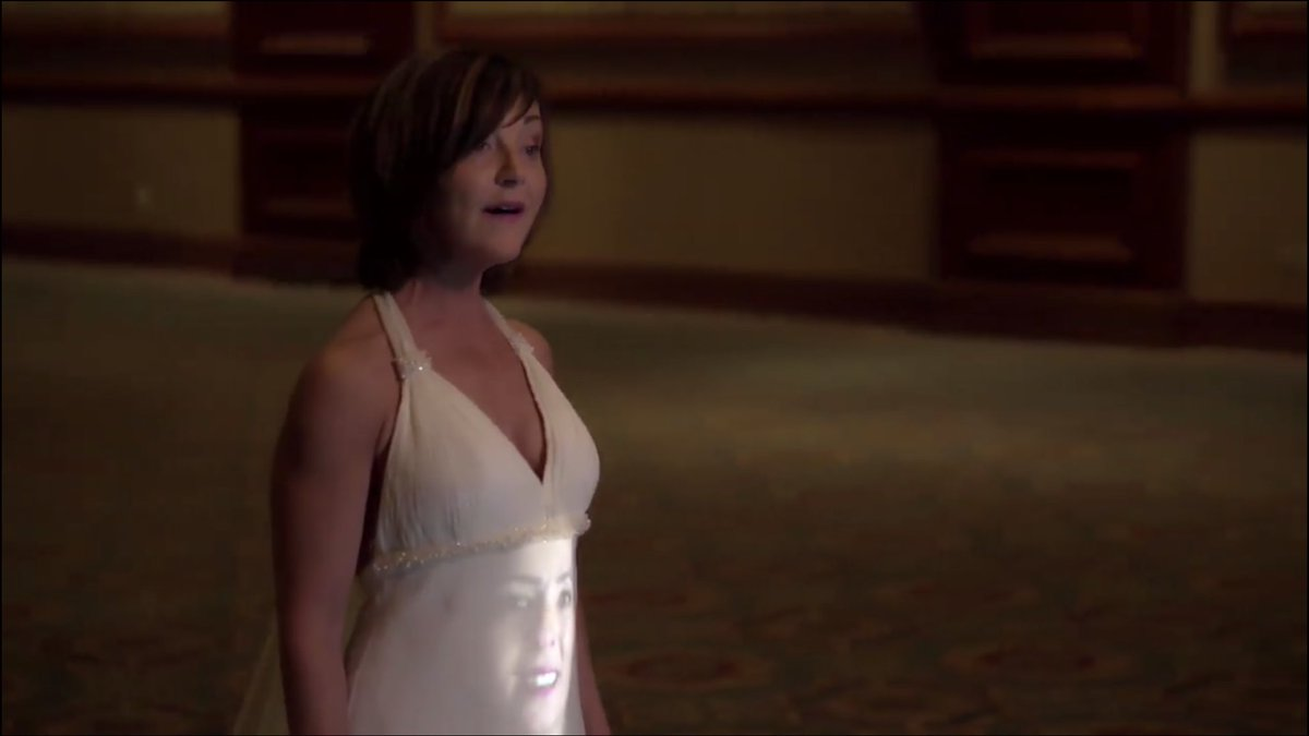 Please enjoy this series of photos of my face on Heather Rankin's dress. @HeatherRankinMe #musicvideo #actorlife <br>http://pic.twitter.com/i4Q3bWE61V