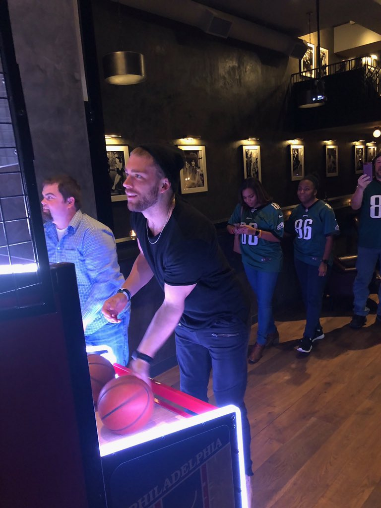 Had a great time at @FitlerClub with some lucky #VerizonUp members last week! We played games and had a q&a with @philadelphiaeagles legend, Mike Quick. #VerizonUp members, check out the My Verizon App for more events like this! Thanks @verizon for a fun evening!