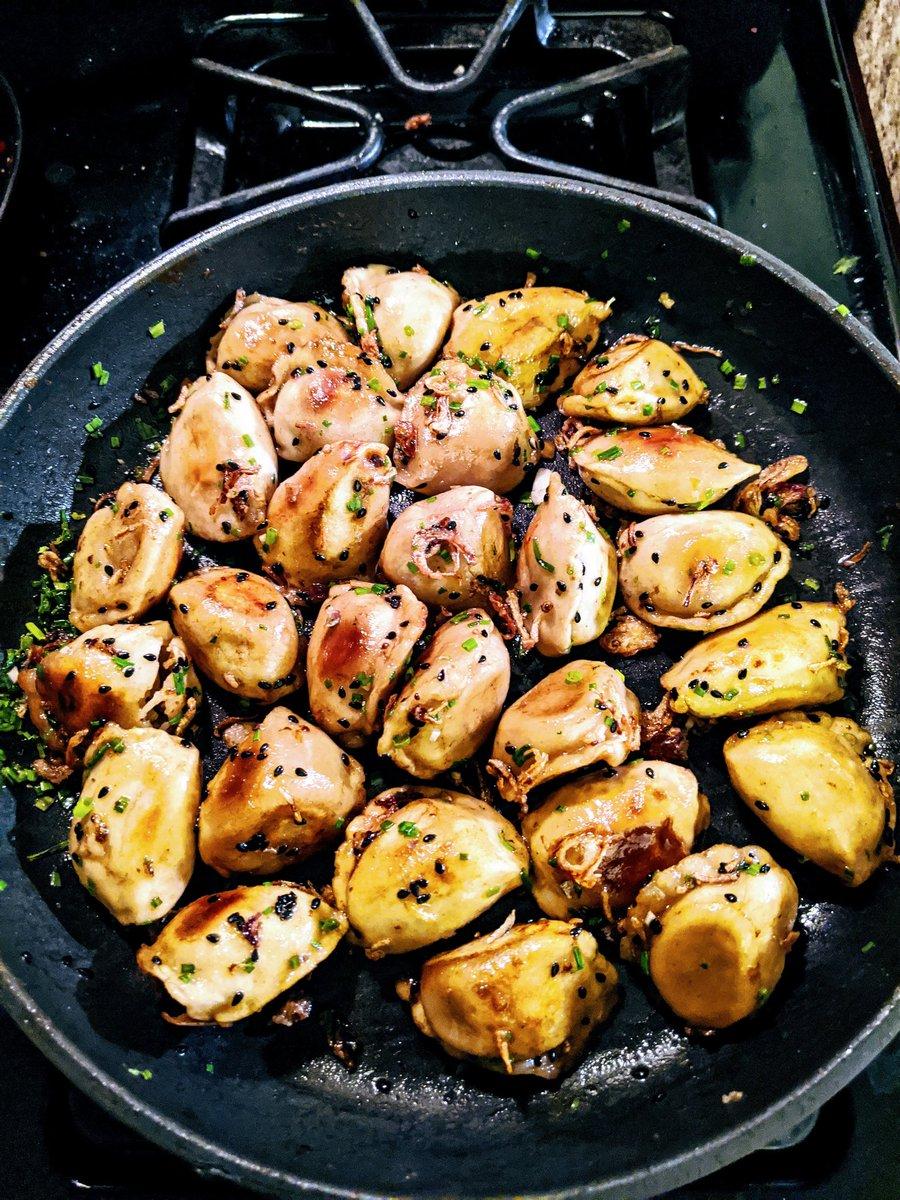 Pan fried dumplings, tonight. 🙂 <a target='_blank' href='https://t.co/jpmUPpyAYl'>https://t.co/jpmUPpyAYl</a>
