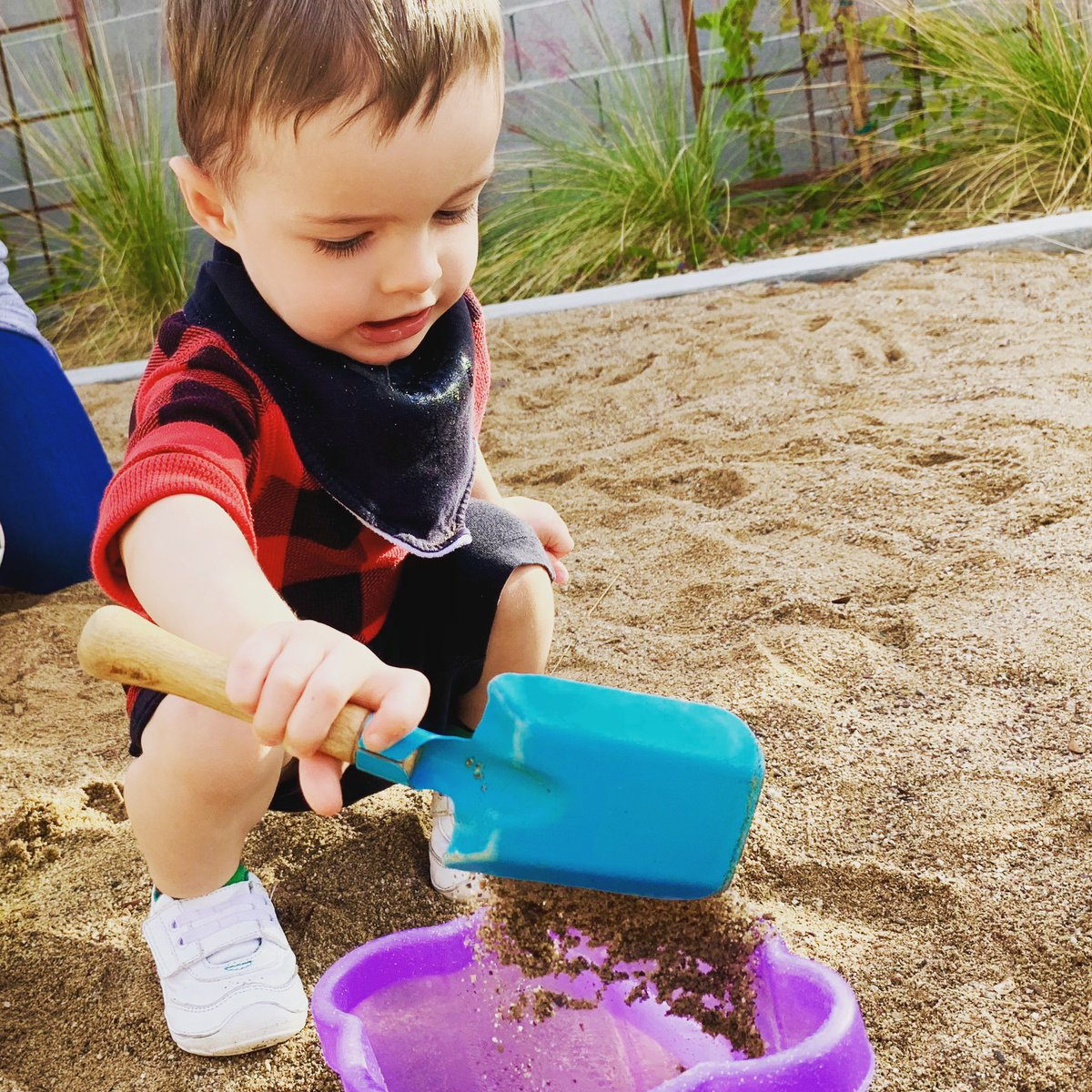 """""""#Education is not filling of a pail but the lighting of a fire.""""—William Butler Yeats  #fridayvibes #fridayquotes #preschoolactivities #behaviorinstructor #arizona<br>http://pic.twitter.com/AZeqrR6LlC"""