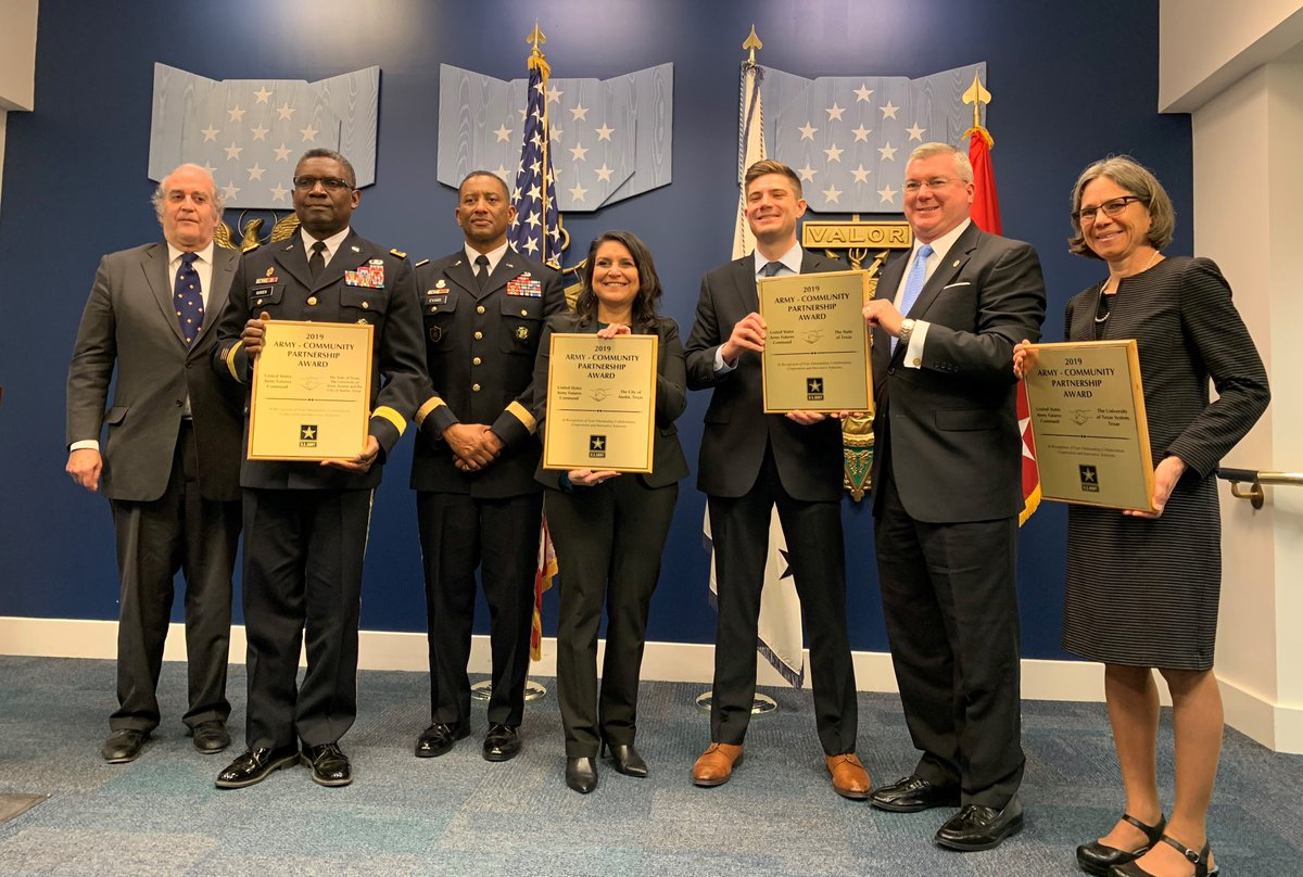 The State of Texas has been recognized with a 2019 Army Community Partnership Award for collaboration, cooperation & innovative solutions, along with @austintexasgov & @utsystem, in support of U.S. @ArmyFutures Command. Working to protect tomorrow … today.