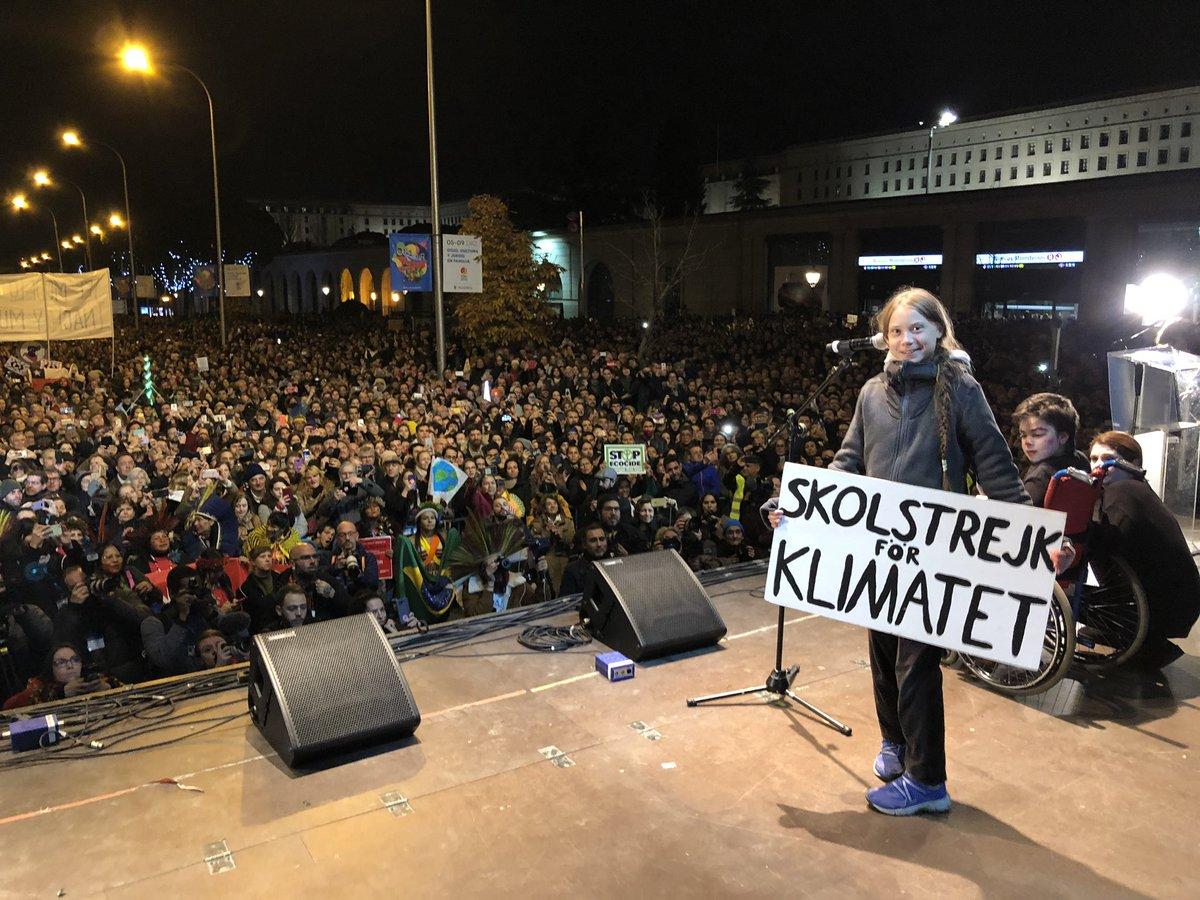 @GretaThunberg's photo on #ClimateStrike