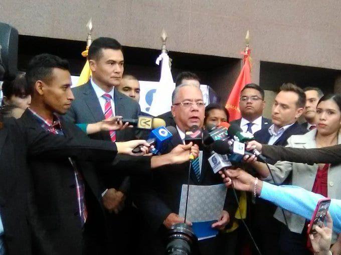 Gobierno (interino) de Juan Guaidó - Página 30 ELIkB41WsAABIA0