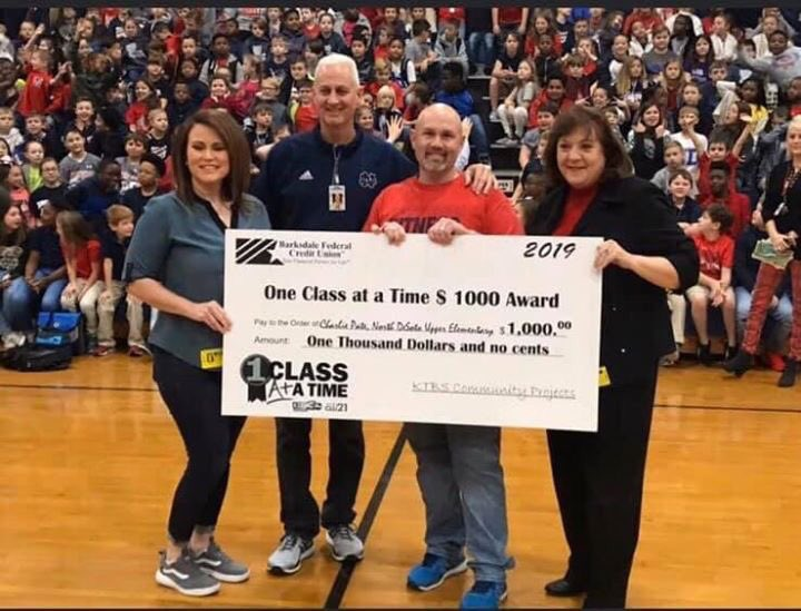 Thank you so much KTBS and Barksdale Federal Credit Union for the $1000! North DeSoto Upper Elementary appreciates you very much! #fitnessgoals <br>http://pic.twitter.com/wNuDMx1MB2
