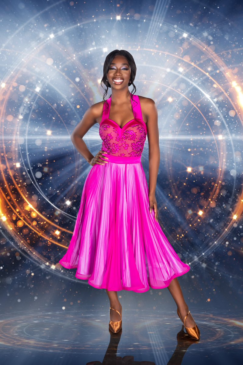 Over the Summer we were glued to Yewande Biala's @LoveIsland antics but will her dance moves be our judges' type on paper?  Welcome to the madness, @yewande_biala!  #DWTSIrl #DWTS #LoveIsland <br>http://pic.twitter.com/YlzdepCJJ8