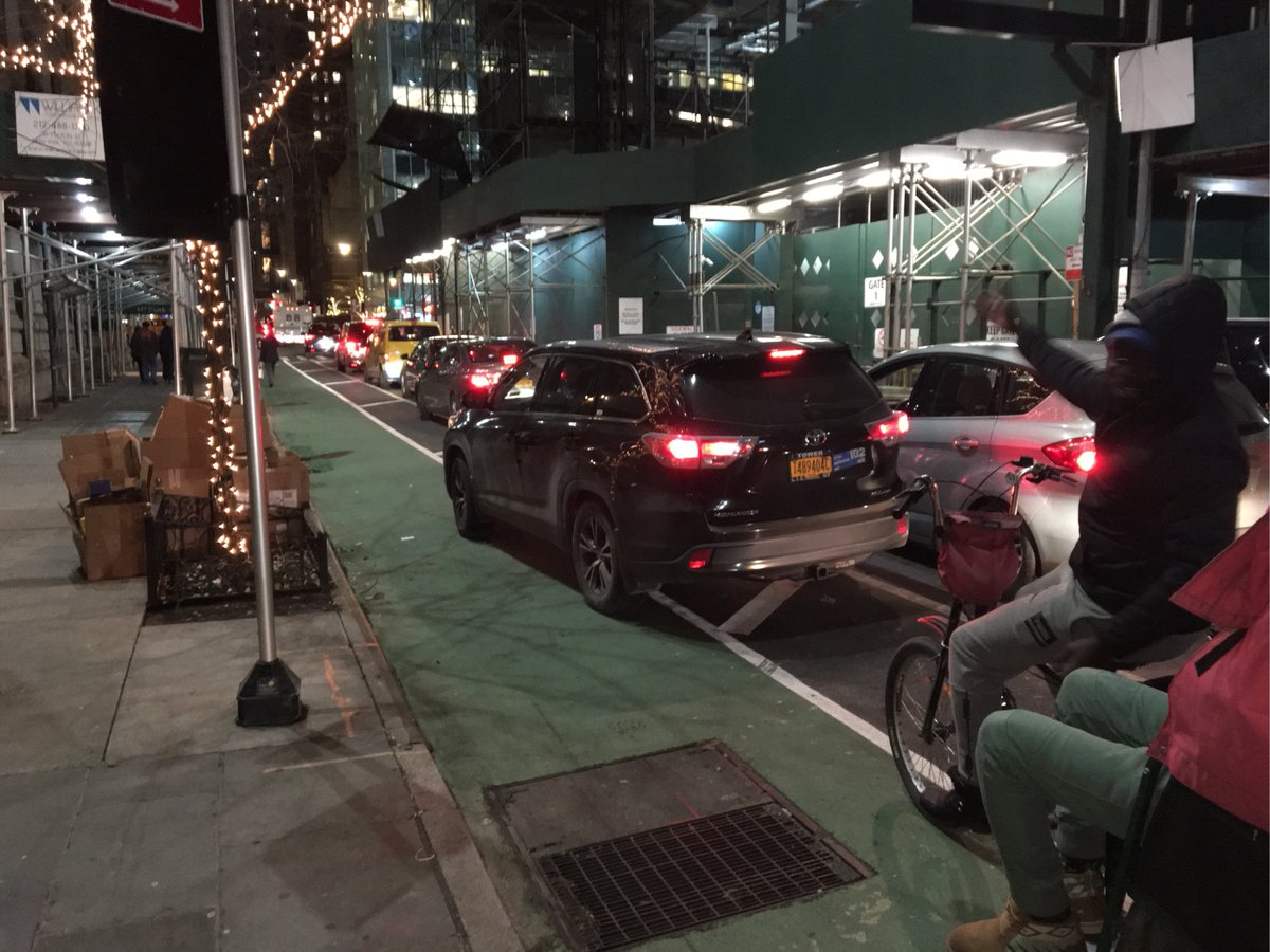 Toyota Highlander ACE CAR AND LIMO SERVICE driver T489404C blocked the bike lane near 115 E 55th St on December 6 and has been reported to #nyctaxi. This is in Manhattan Community Board 05 #manhattancb5 & #NYPD18. #VisionZero #BlockedBikeNYC
