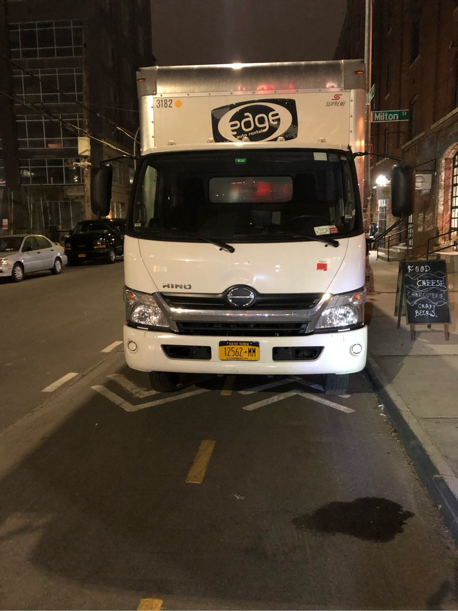 Hino XJC720 driver 12562MM blocked the bike lane near 72 West St on December 6. This is in Brooklyn Community Board 01 & #NYPD94. #VisionZero #BlockedBikeNYC