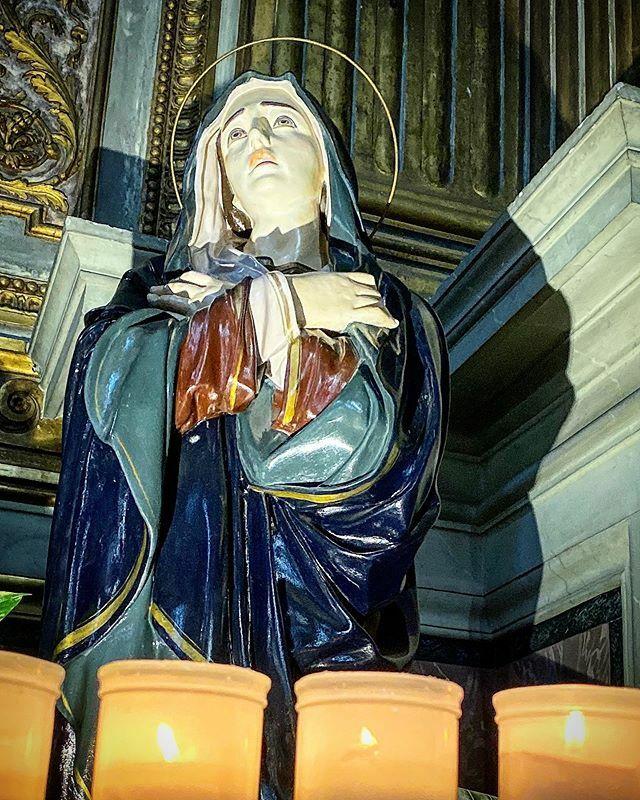 Je l'aurais bien vue chez @laurenceg cette sainte en plâtre!!! #church #rome #roma #italia #ig_roma #ig_italia #igersroma #igersitalia