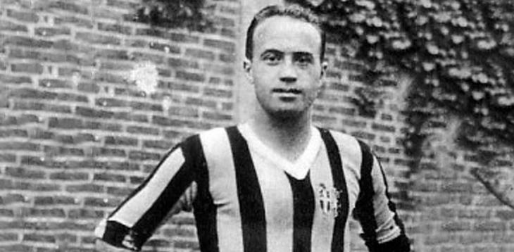 Giovanni #Ferrari (Alessandria, 6-12-1907–Milano, 2-12-1982). #Mezzala #Juventus 1930-1935 e 1941-1942, 193 presenze 79 reti. 5 #scudetti 1 #coppaItalia. #CampioneDelMondo 1934 e 1938 #Italia.   ricorda il grande #Gioanin Ferrari.