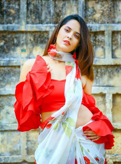 3 pic. I decide my Vibe. For #LocalGangs #tonyt  #DrapeStories from #GauriXAnasuya 🙌🏻 @Gauri_Naidu ❤️ PC: