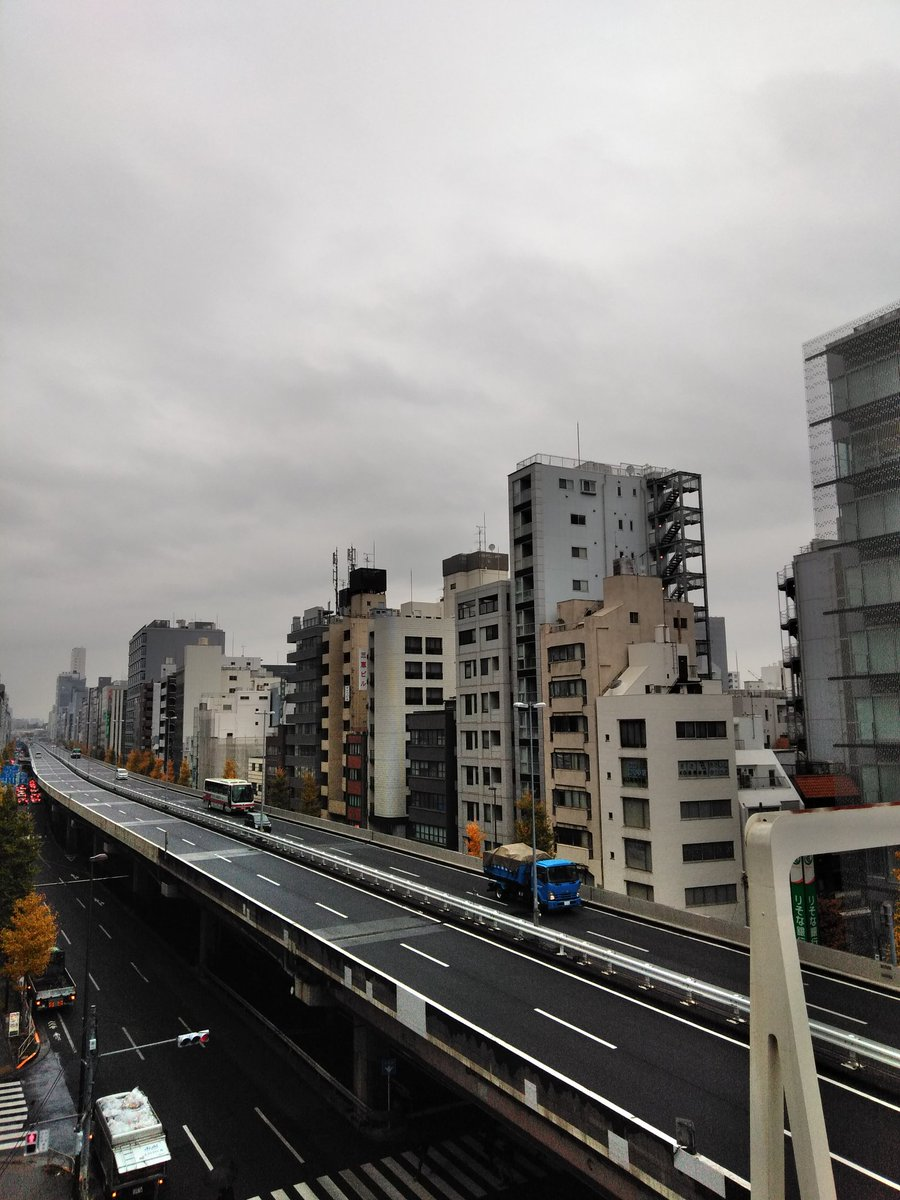 宝島アキバ昭和通店は完全個別空調、防音ルームの店舗でエリア唯一、オールタイム60分 550円で御利用頂けます‼️クレジットカード決済可‼️エリア最大大迫力50インチTVもごさいます‼️ #akiba #秋葉原 #イマソラ
