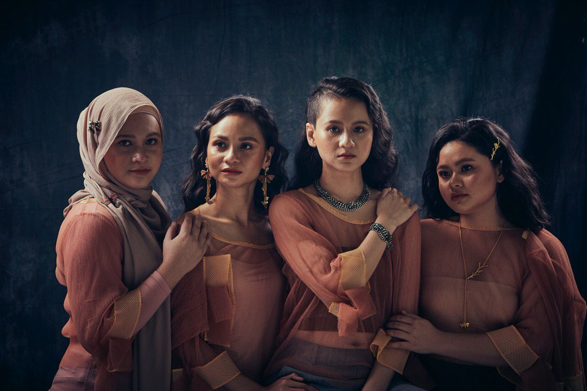 It's here! Our 1st ever collaboration & it's jewelry! As women, we are elegant, rebellious, fun & beautiful in our own ways. We hope u love the designs as much as we do. Shop at  http:// bythian.com     now to receive a RM20 discount voucher! #SharifahSistersXByThian <br>http://pic.twitter.com/m0BTeMIdFf