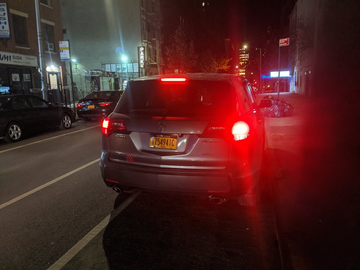 Acura MDX uber driver T754941C blocked the bike lane near 141 E 26th St on December 7 and has been reported to #nyctaxi. This is in Manhattan Community Board 06 #cbsix & #NYPD13. #VisionZero #BlockedBikeNYC