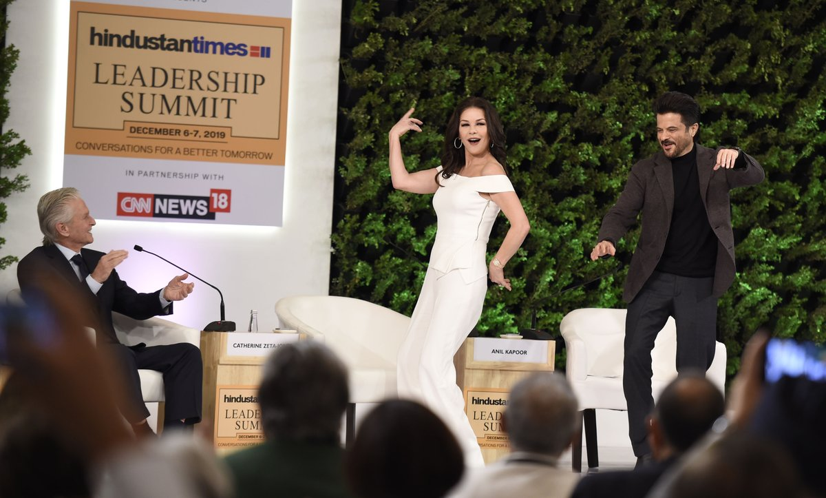 #HTLS2019 | Catherine Zeta-Jones grooves on the title track of her 'favourite Bollywood film' Om Shanti Om 😍   @AnilKapoor   Watch full session here:
