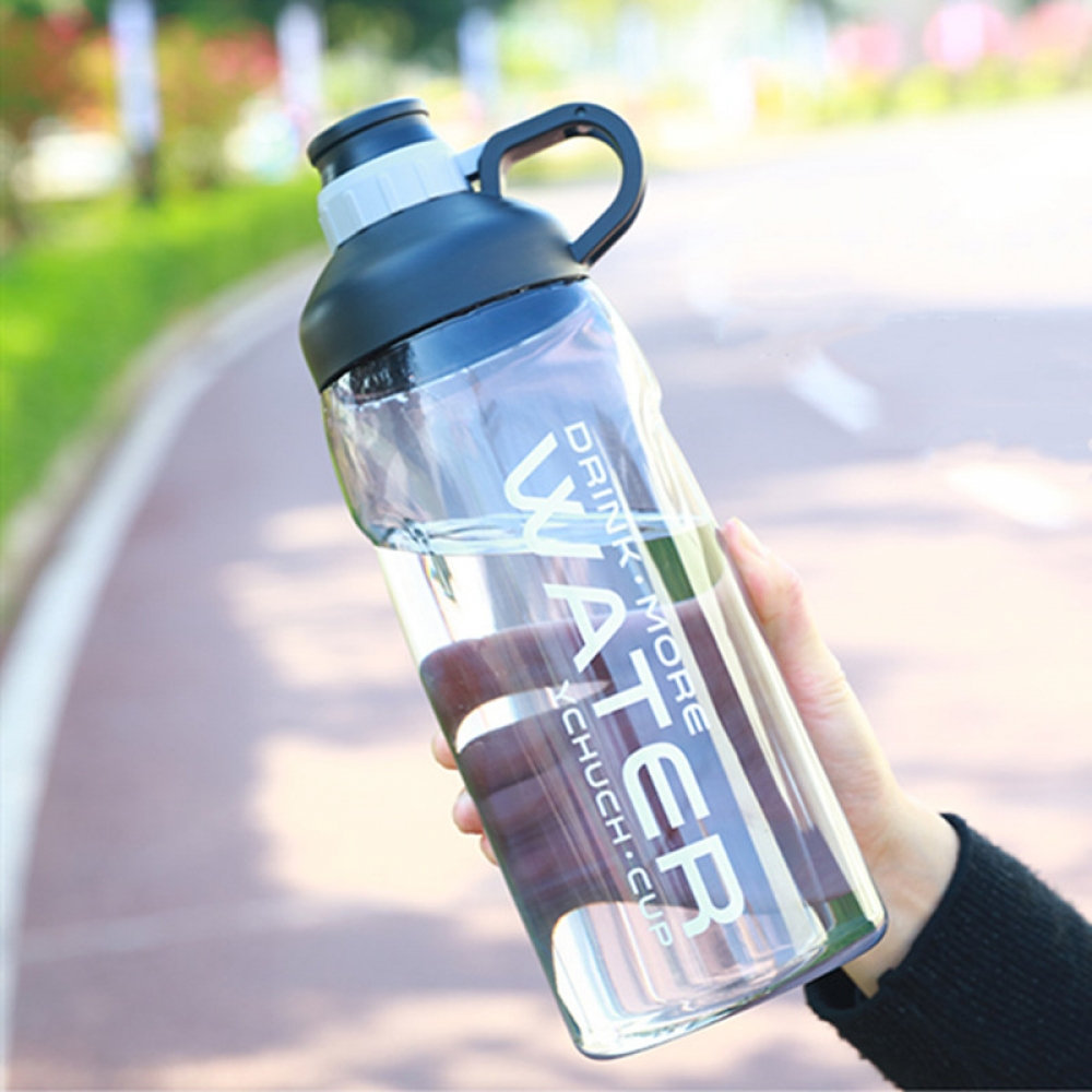 #vegan #fitlife Large Capacity Gym Water Bottle  https:// veganmoi.com/large-capacity -gym-water-bottle/  … <br>http://pic.twitter.com/bjv82K1OmE