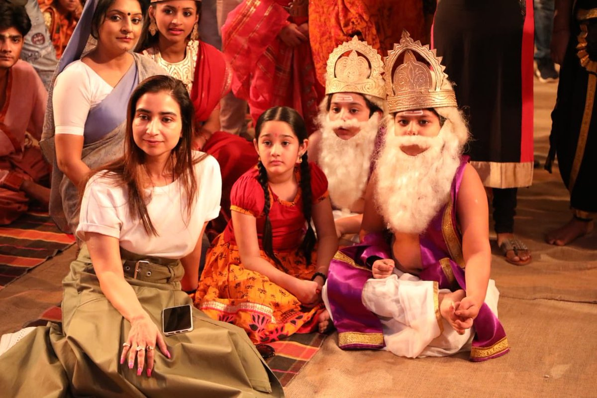 On the sets of Jag Janani Maa Vaishnodevi 🙏🏼