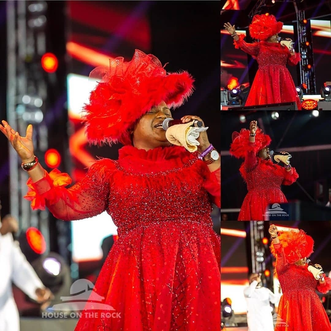 There is only one woman that can scatter everywhere in a corporate concert where everyone is supposedly a big guy / lady... Her name is Uzoamaka aka Chioma Jesus... Okemmuooo...  Fire #TheExperience14 #TE14<br>http://pic.twitter.com/WGrYz1pwh2
