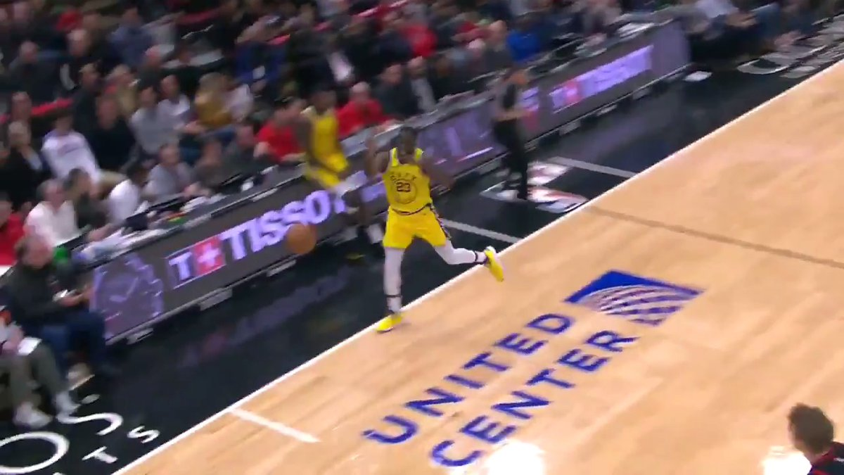 Draymond Green gets it done on defense with the steal and earns your Heads Up Play of the Day!