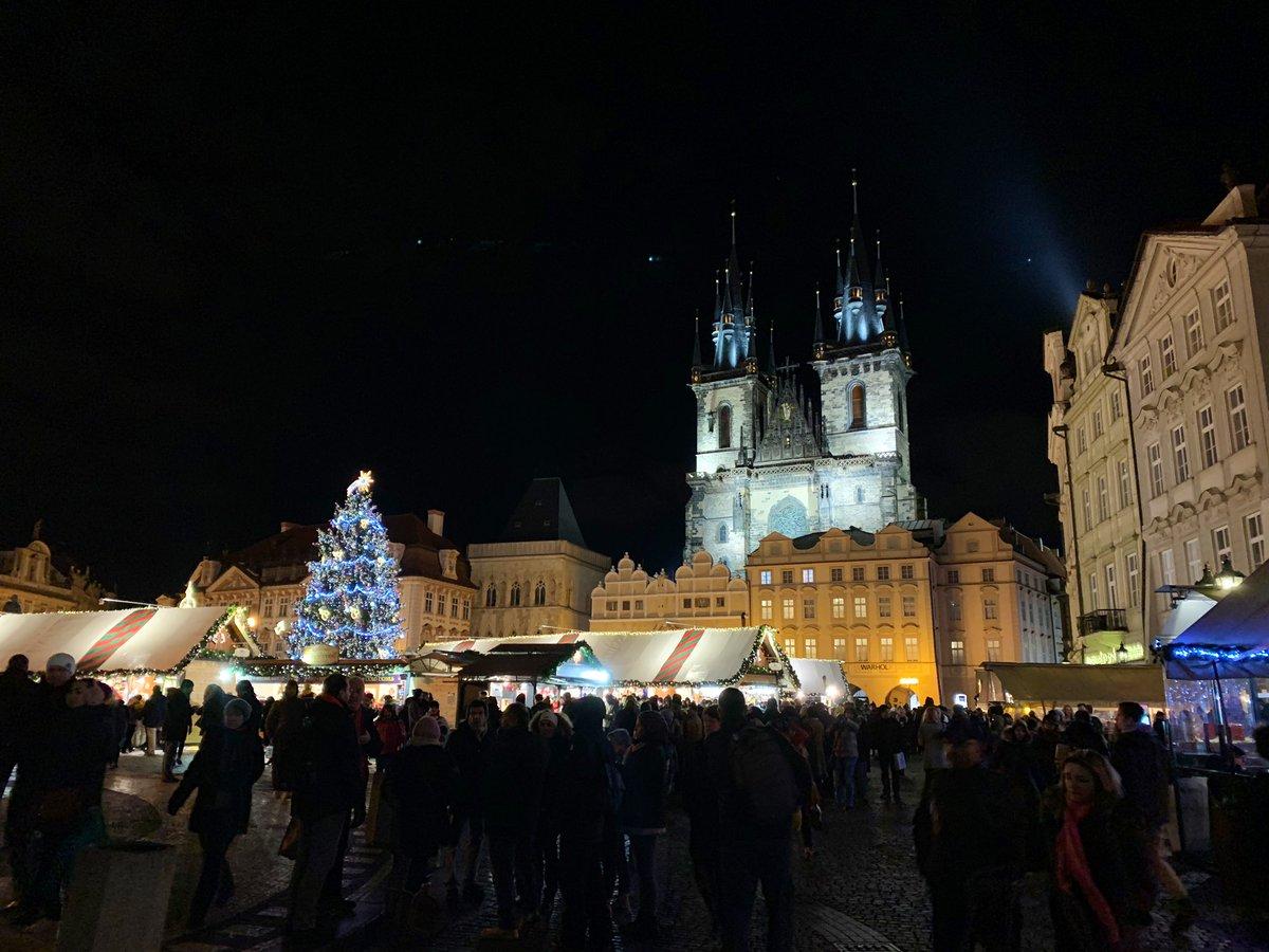 Geçen salı Prag... #Prague #Christmas #myphotoshoot pic.twitter.com/rCuLUlNKaS