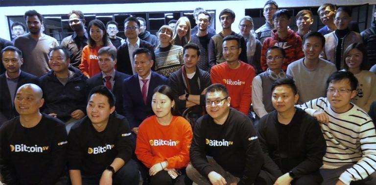 「中国には多くの興奮があります。人々は実際にBitcoinを機能させ、投機的な資産を取引するだけでなく、実際に物を作る事に興味があります。この次世代の偉大な頭脳達は、Bitcoinが単なる仮想通貨ではなく、将来のデータ台帳ブロックチェーンになる可能性を見るのに最適な世代だと本当に信じています」