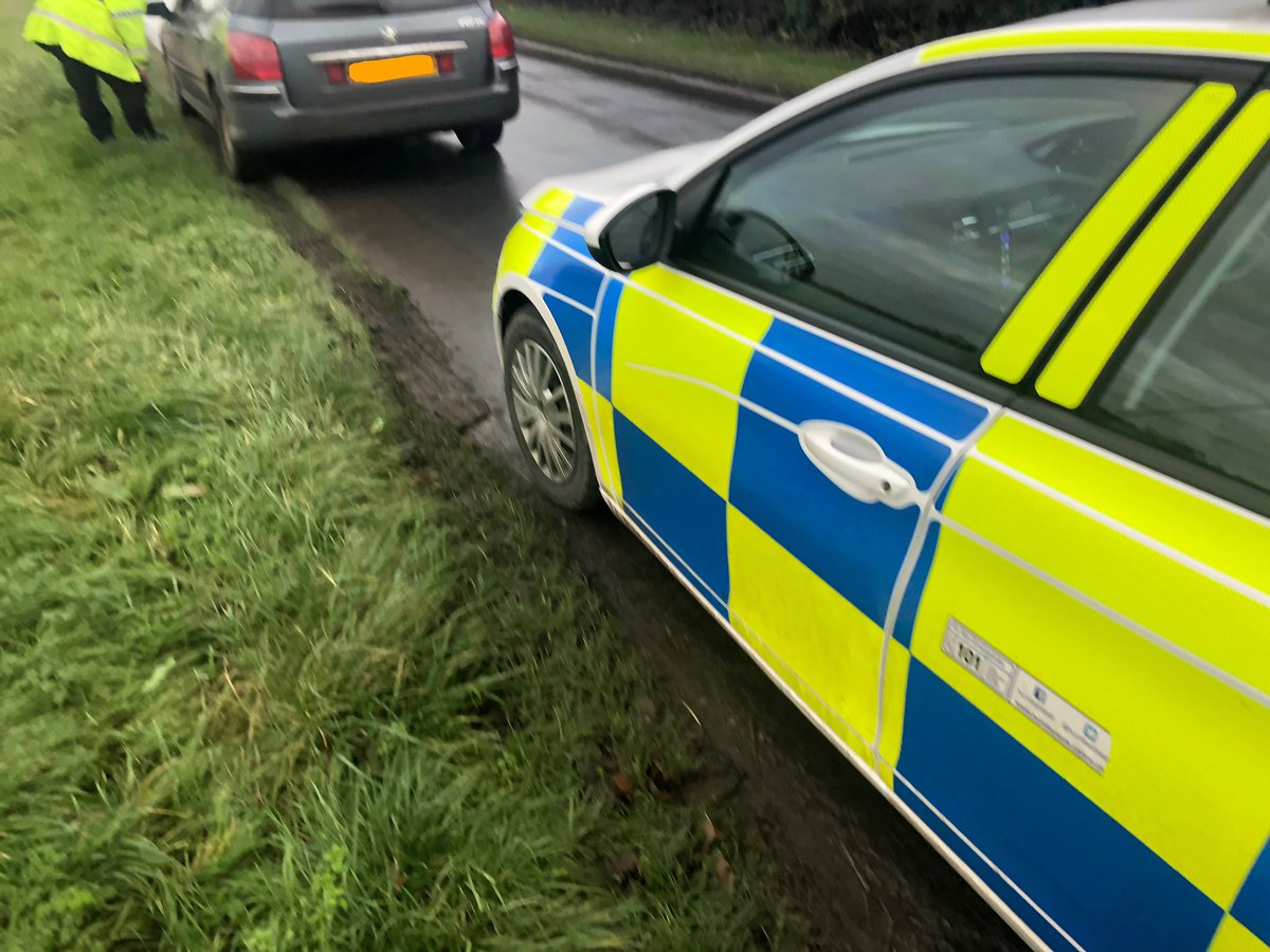 #OpGalileo suspected hare coursing vehicle stopped in the Sunk Island, all checked including their dogs for microchips then instructed to leave the county back to the Manchester area. Two males reported to ERYC under the FAIRWAY system <br>http://pic.twitter.com/8c2A6fHXdA