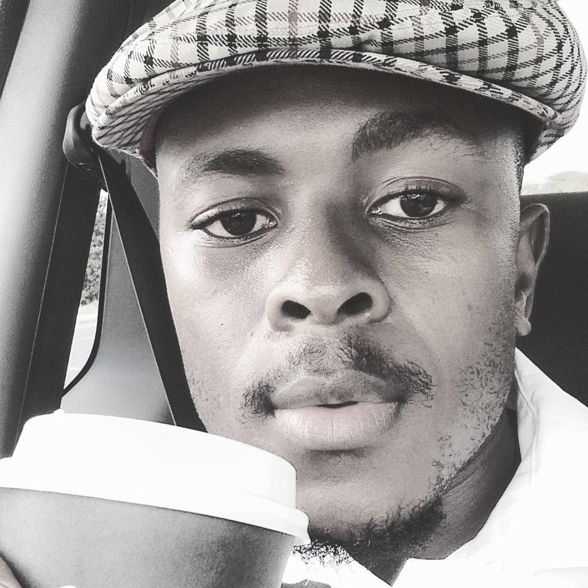 Morning Friendoh  #Uyazinawe  #Vuthondaba  #Bestmc  #Kovumizizwepic.twitter.com/AeaeSeN9SN