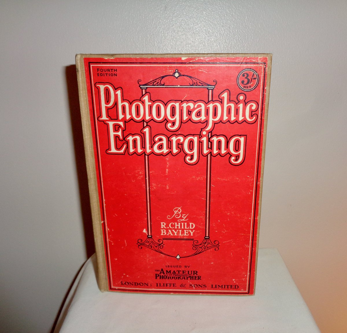"""Vintage """"Photographic Enlarging Issued By The Amateur Photographer and Photography."""" By R Child Bayley. Published By Iliffe & Sons Limited.  #supplies #vintagebook #science #photography #photographic #history #camera #development #reference"""