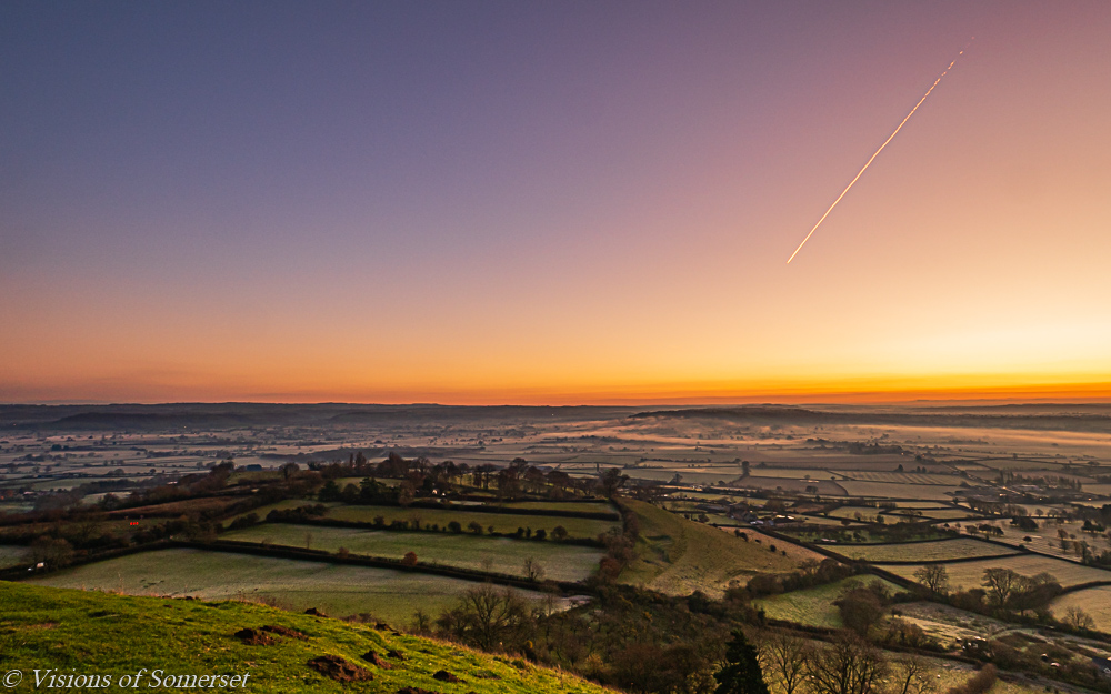 It has brightened up here so off out with the camera in a bit. Here is one from earlier in the week. Happy weekend everyone! #SaturdayMotivation #SaturdayVibes #glastonburytor #glastonbury<br>http://pic.twitter.com/cHmmvX5iym