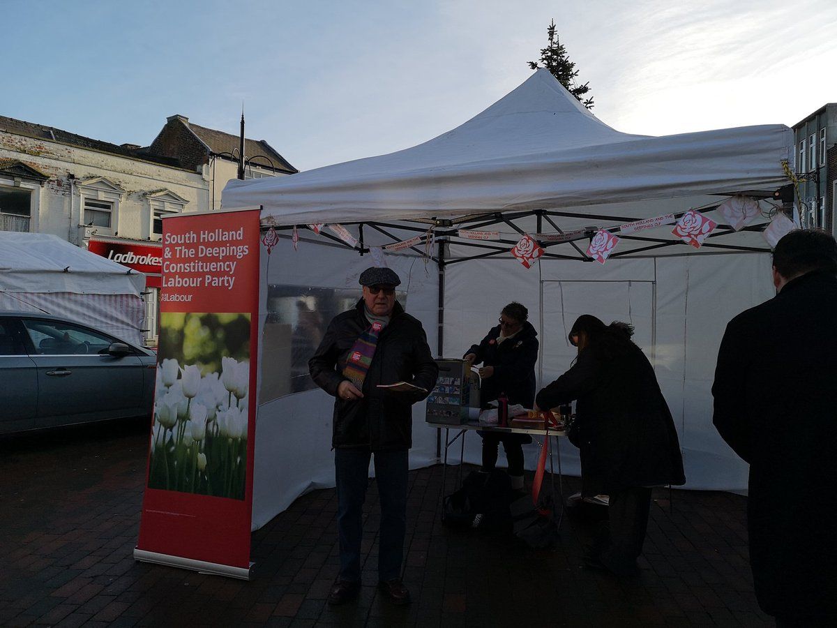 We're down at Spalding market. Come and see us and have a chat about our plans for real change.   #VoteLabourDecember12th #VoteLabour2019<br>http://pic.twitter.com/FKfXnXvoKi