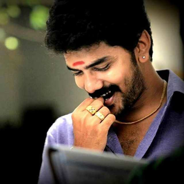Sometimes miracles r just good people with kind hearts like our #Kavin...  #KavinWelcomeByZealots<br>http://pic.twitter.com/me0Uy9TwCN