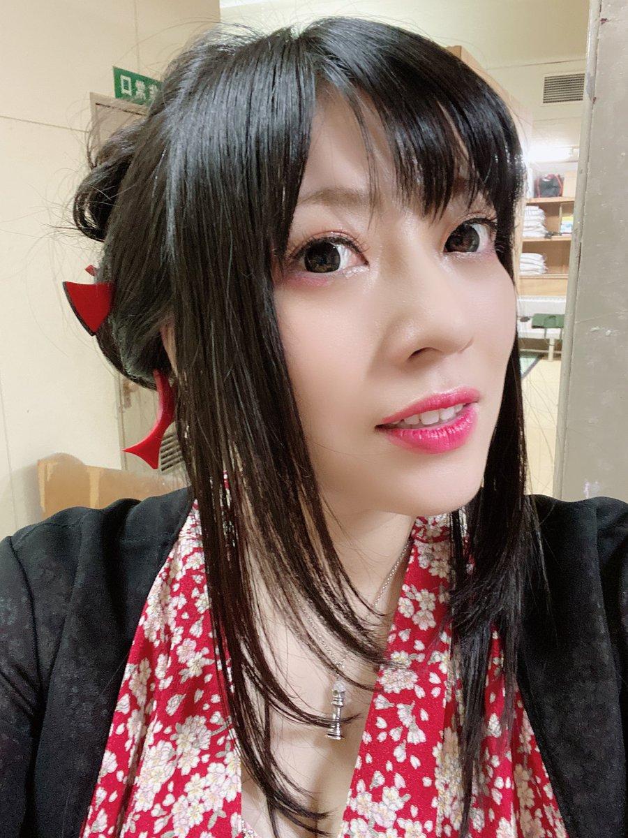 鈴華 ゆう子 年齢