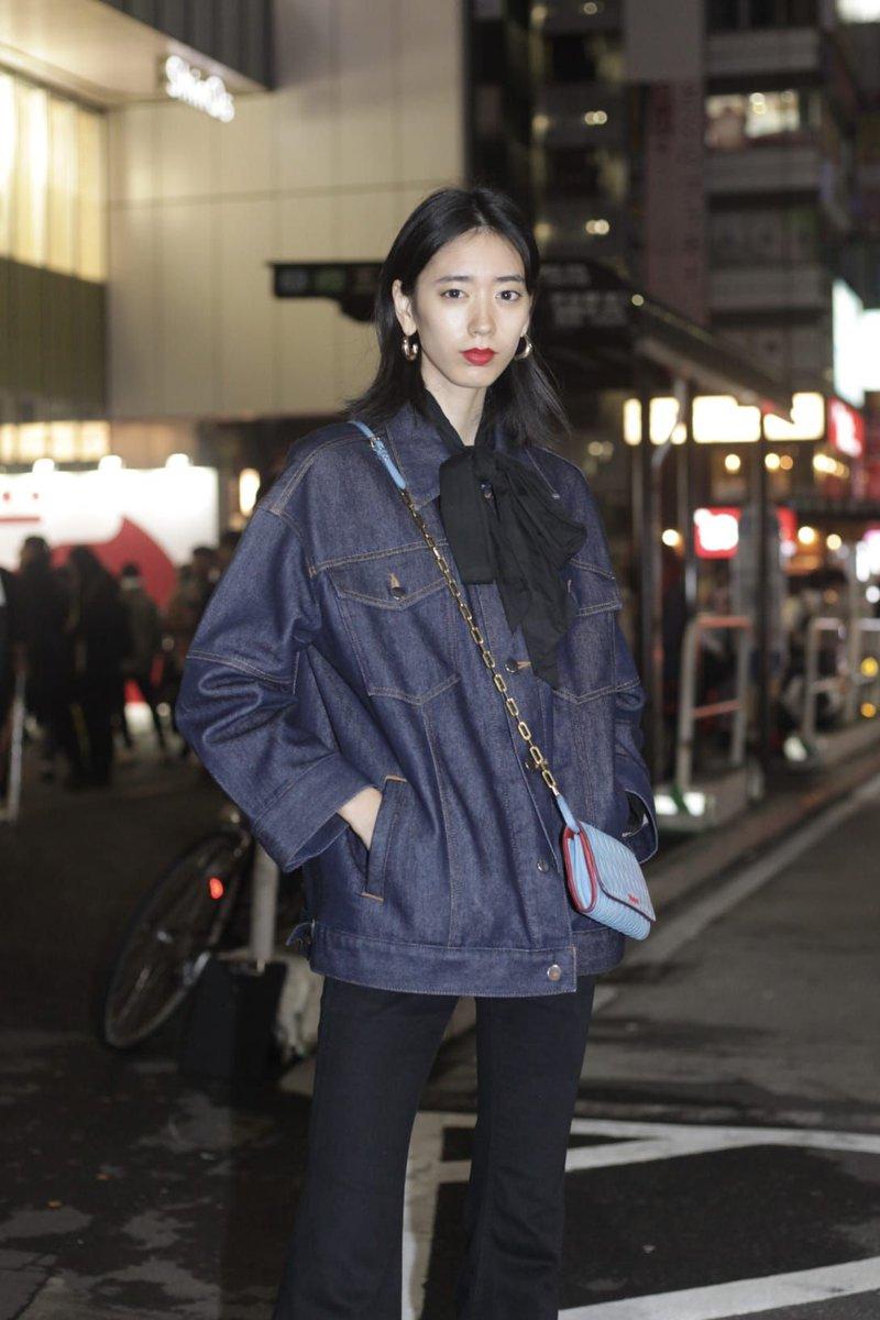 【スナップ】晶さんを渋谷で撮影。バッグはMIU MIU。