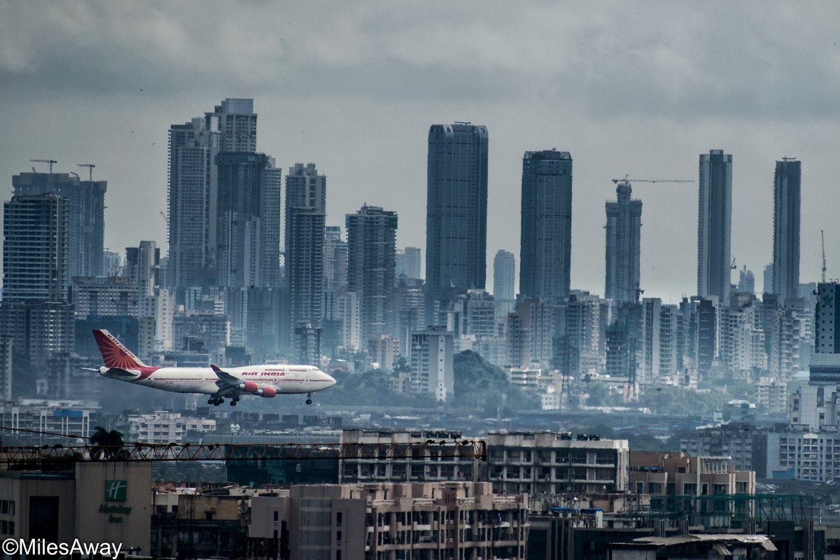 Celebrating International Civil Aviation Day – here's a shot of the Air India Queen with the skyscrapers of Mumbai in the backdrop. Wishing all aviators globally a great day!  #civilaviationday  #avgeek #aviationeverywhere https://www.instagram.com/p/B5xORMDhCm2/?igshid=plm1c6hs9ef4… pic.twitter.com/7qyIBP8EuL
