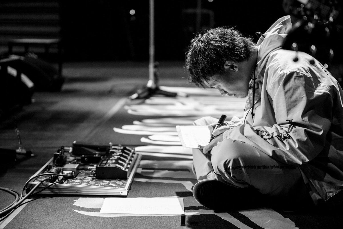 熊本城ホール2DAYS‼︎新曲の心の歌を歌いました。ライブギリギリまで変更を許してくれたメンバー。急なリクエストにも笑顔で対応してくれるスタッフさんとお客さん。ありがとうございました。九州 次はマリンメッセ福岡ばい‼︎フォトバイジョン…。