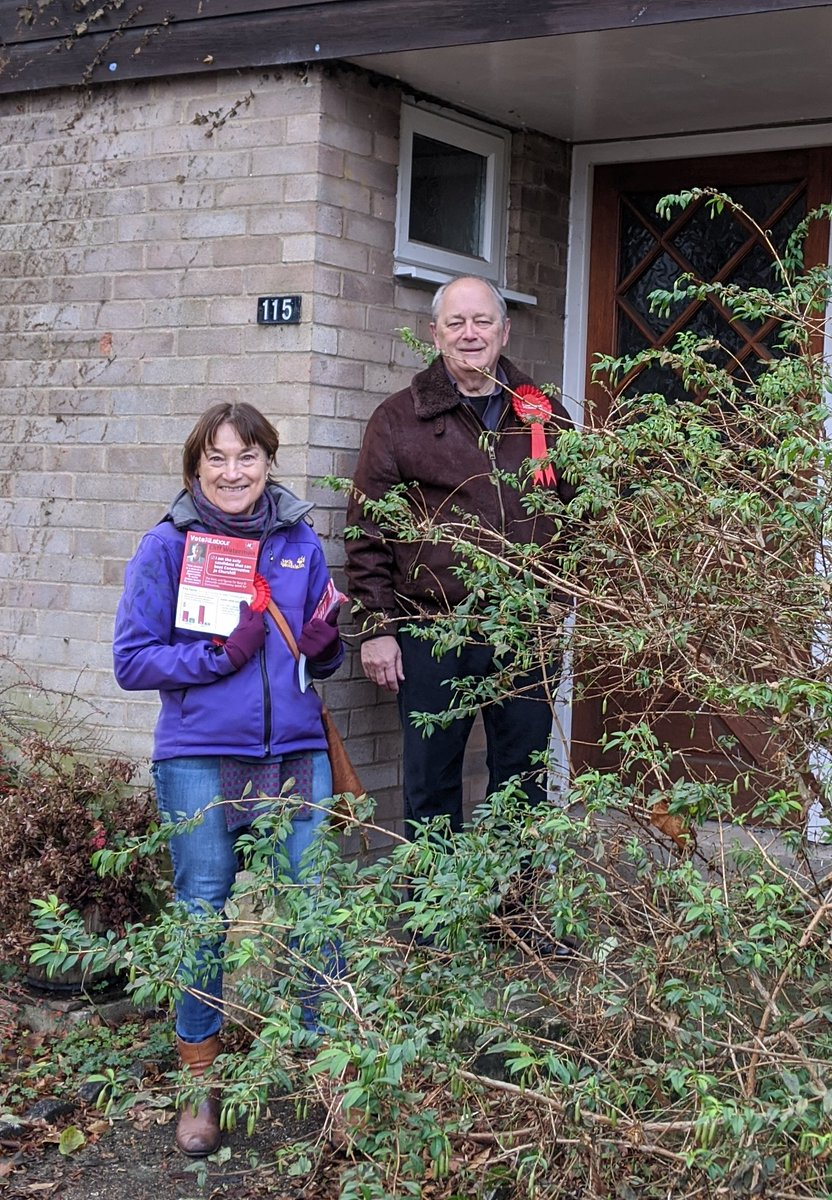 People's Vote volunteer, Kay & Labour party vol Ian, campaigning in Bury St Eds (Hardwick Lane) this morning with Cliff Waterman, Labour candidate.  #PeoplesVote #tacticalvoting<br>http://pic.twitter.com/g6V8CwBRlN