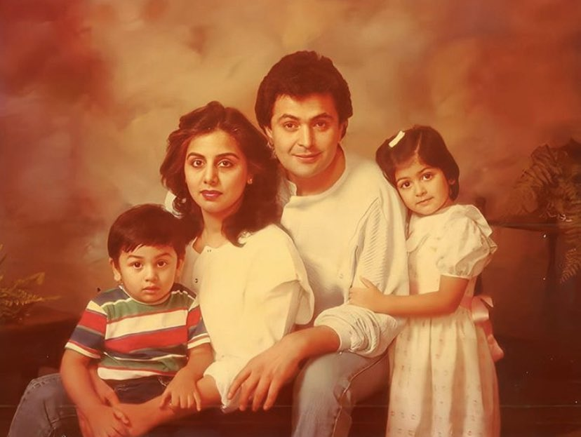 This family's DNA should be national treasure! A #throwback with of #RanbirKapoor and #RiddhimaKapoorSahani with parents #NeetuKapoor and #RishiKapoor.