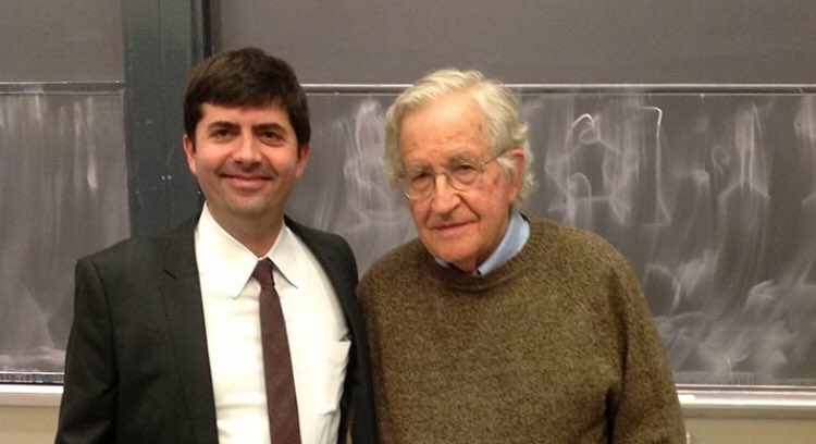Happy birthday to the great Noam Chomsky. Having to take the podium _after_ this great and decent man was one of the proudest and most terrifying/ridiculous moments of my life. Eternal thanks @JohnTirman for putting that event together.<br>http://pic.twitter.com/ov4euLIQss