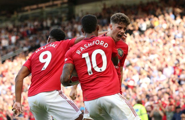 City's defence can't handle the pace of Rashford, James, Martial and Lingard. We look so dangerous with every attack. Have to start taking these chances. #MUFC<br>http://pic.twitter.com/PZ9gQ1mFTK