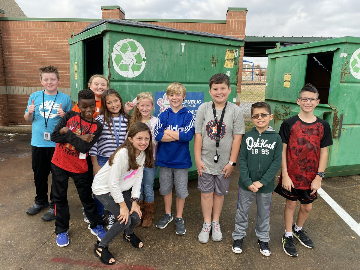So proud of these kiddos at @MtPeak_Elem They take recycling seriously! #MISDProud #MPEmpower