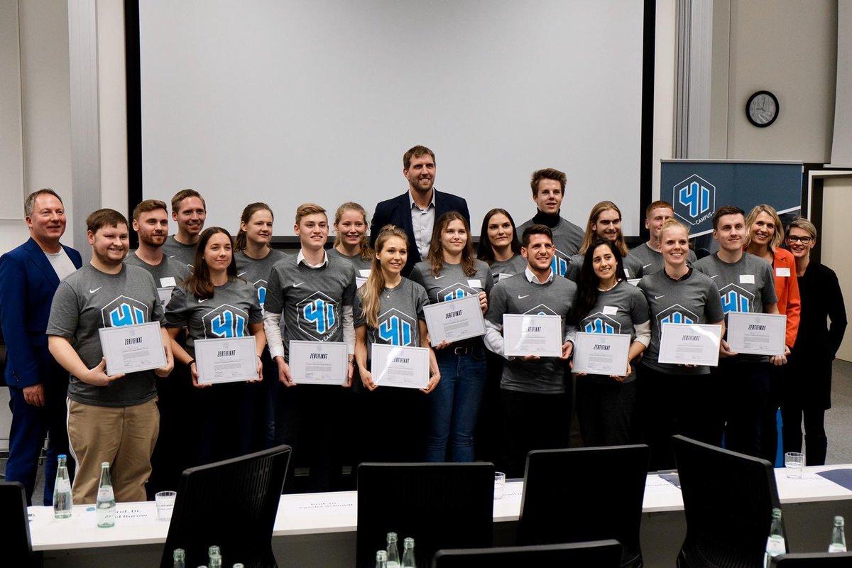 Wir feiern die ersten Absolventen des 41Campus. Danke an die Klasse von 2019. Hat mir großen Spaß gemacht mit euch. 2020 geht es weiter.. bewirb Dich auf http://41Campus.com