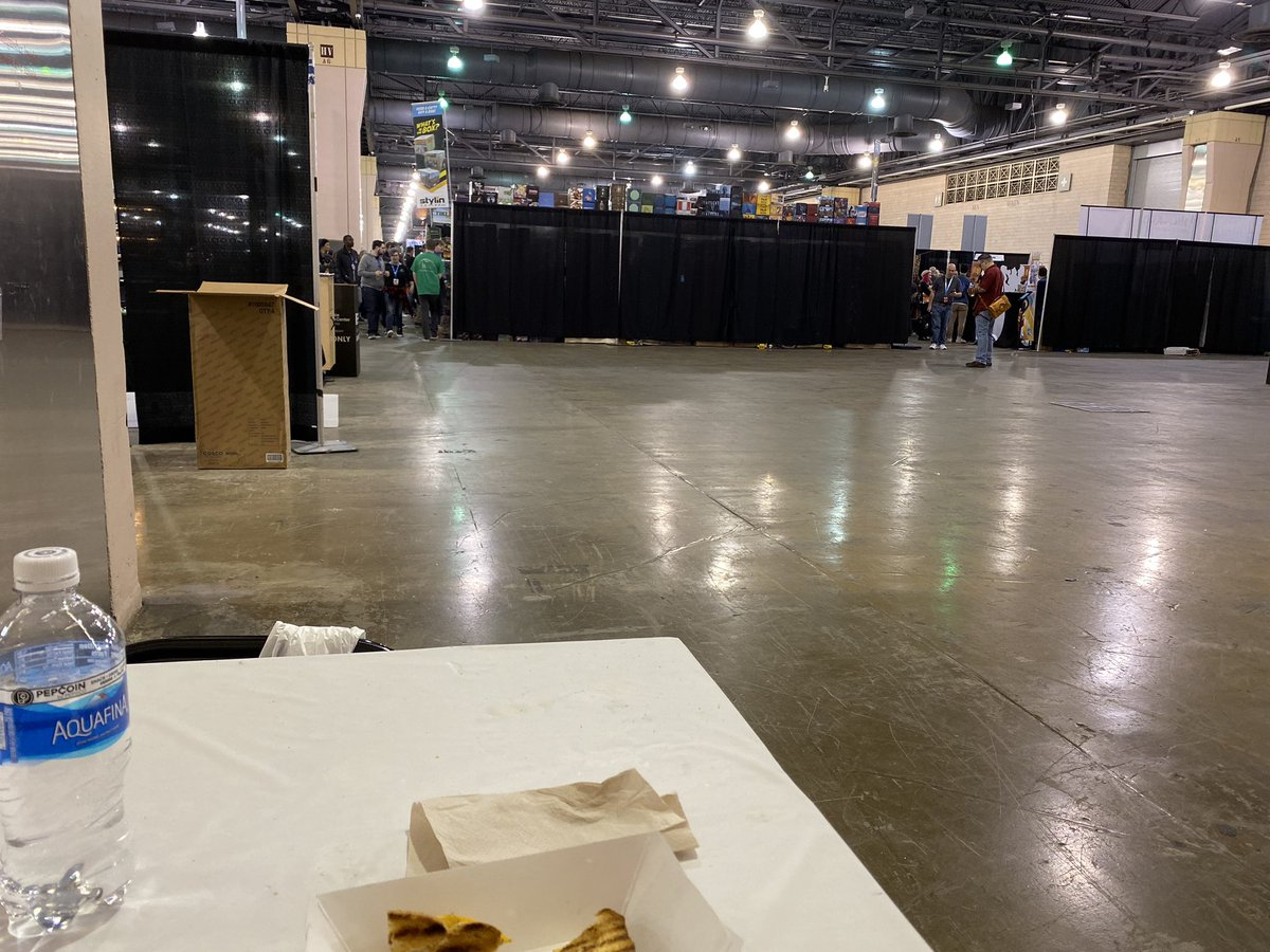 Found a random empty table at the back of #PAXUnplugged2019. Feasting while waiting for @punchbunnyllc to make it to the con.
