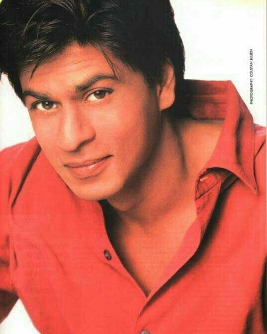 #SRKPictureTreasure: Mr. Love is just making the colour of love look lovelier here 💘