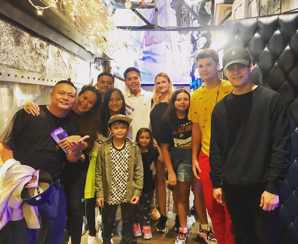 Our families watching the show with my good friend bro @enriquegil17 and it's a #longtimenosee eversince wayback #dolceamore ...!!! Good to meet you again man😊🤗