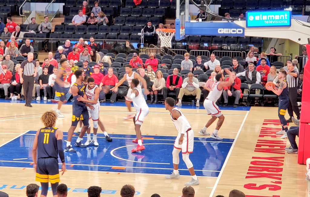 Saturday afternoon matinee at Madison Square Garden with Oscar Tshiebwe and West Virginia taking on St. John's. – at Madison Square Garden