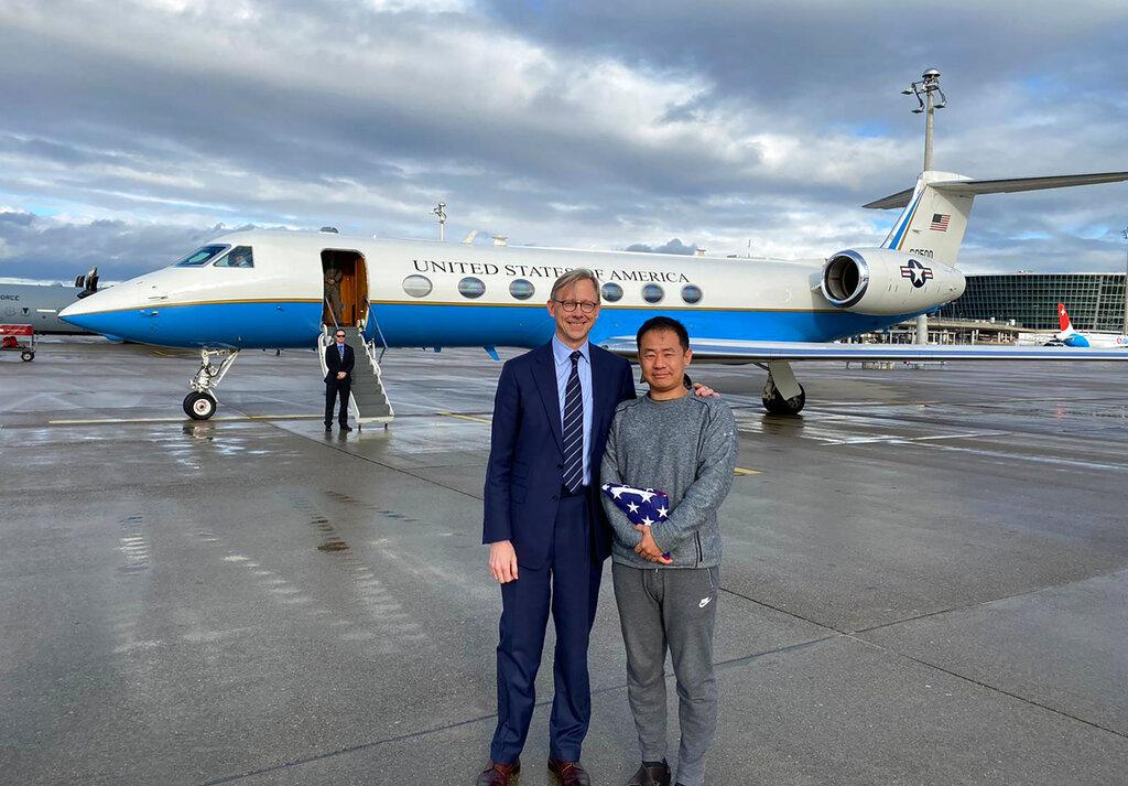 American Academic Xiyue Wang Released From Iranian Custody  https://www. oann.com/american-acade mic-xiyue-wang-released-from-iranian-custody/  …  #OANN <br>http://pic.twitter.com/Fh7OS2q881